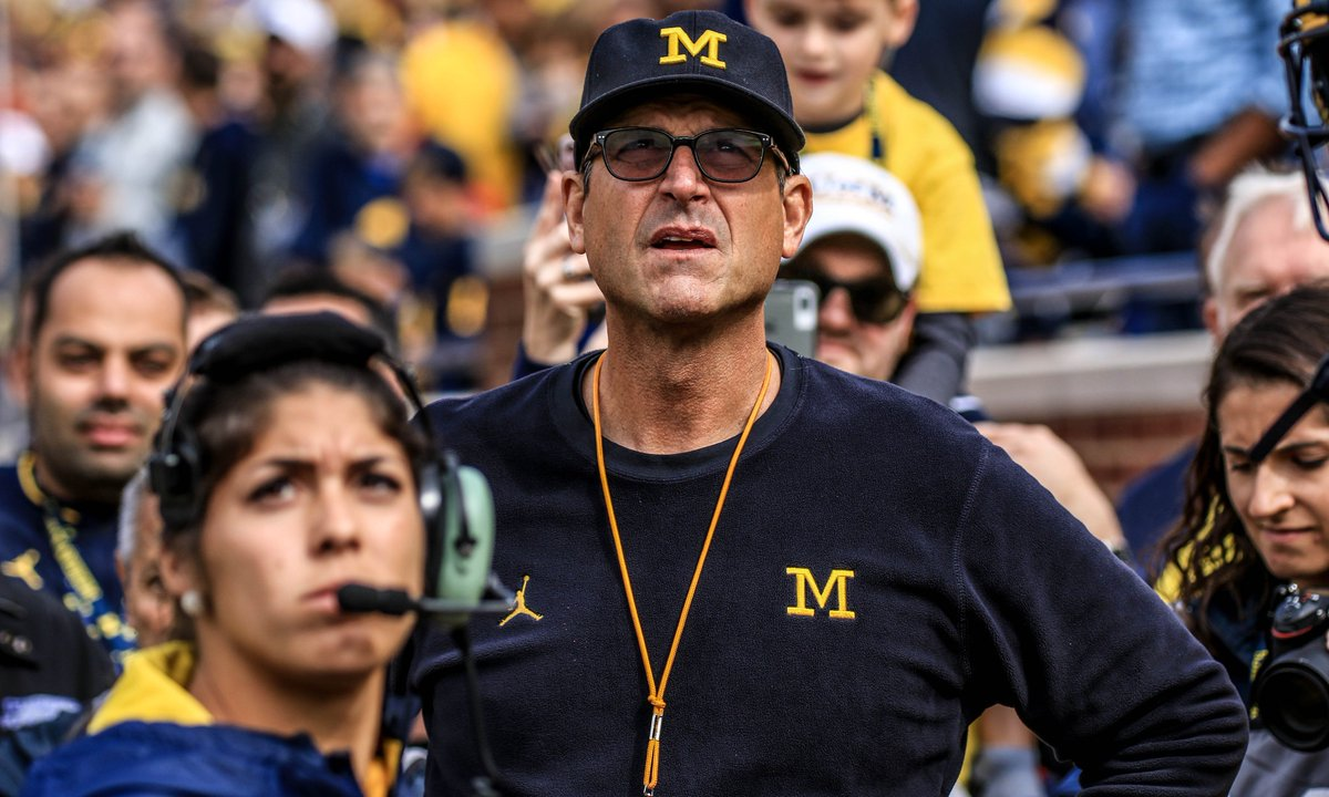 Amid a big recruiting hit on Saturday night, several in #Michigan&#39;s brass are doing some serious damage control after the &#39;Harbaugh to the NFL&#39; rumors and questions of the loss to Ohio State have potentially cost the #Wolverines in future classes.  https:// wolverineswire.com/2018/12/09/mic higan-doing-damage-control-in-wake-of-jim-harbaugh-to-the-nfl-rumors/ &nbsp; … <br>http://pic.twitter.com/97iOCerNvY
