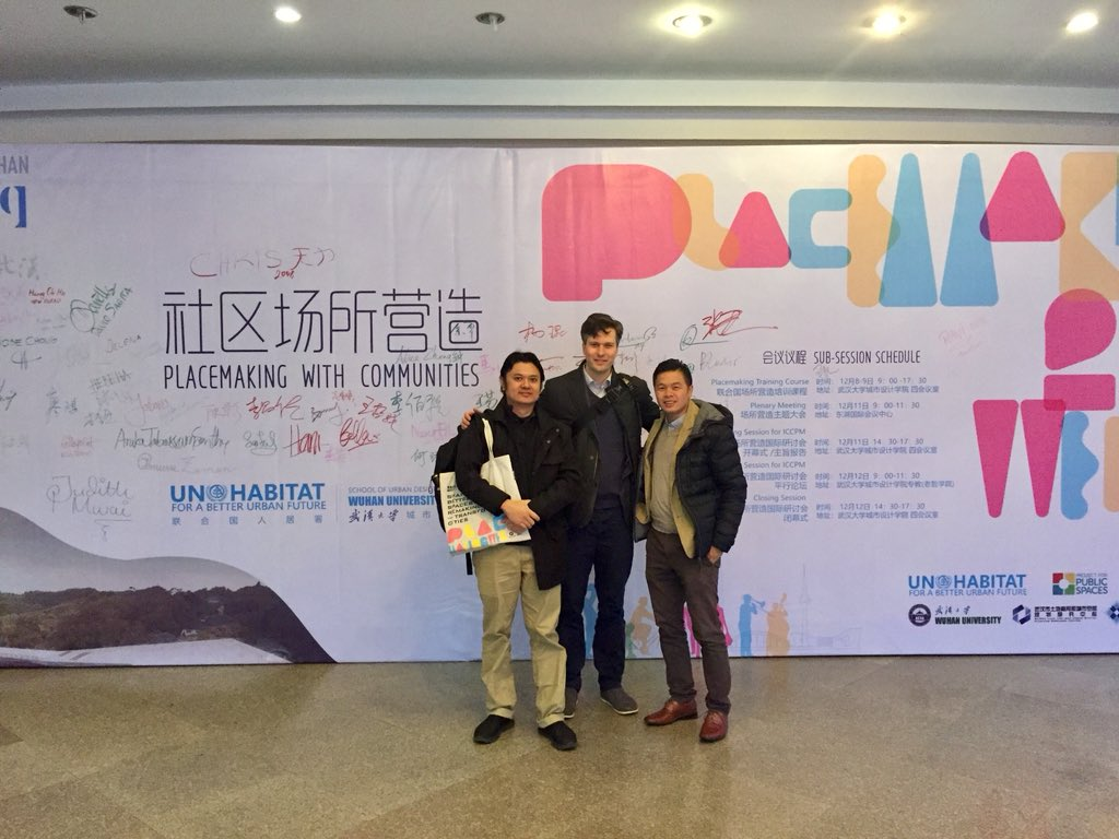 #PlacemakingWeekWuhan has gathered finalists in a #publicspace design completion for Wuhan. Leading a #placemaking training for them today with @josechong ...