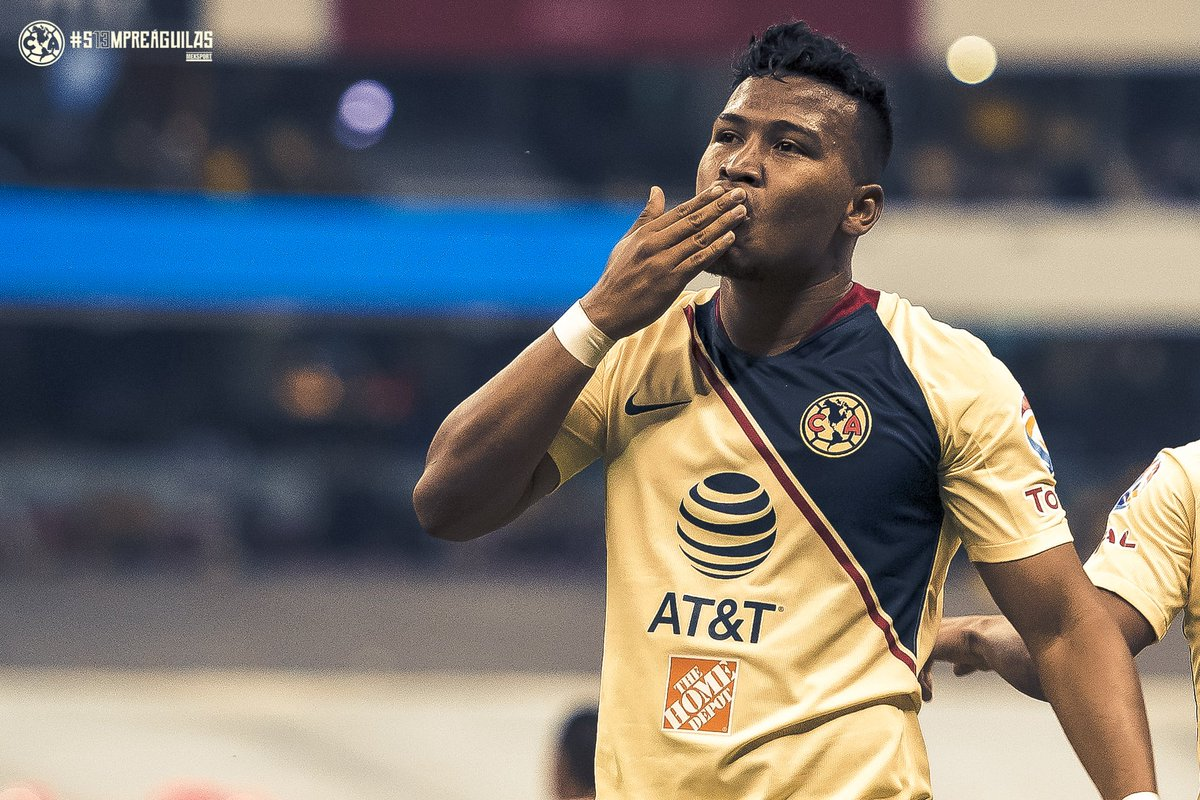 A kiss goodnight from the Azteca<br>http://pic.twitter.com/jjEHcWvQLA