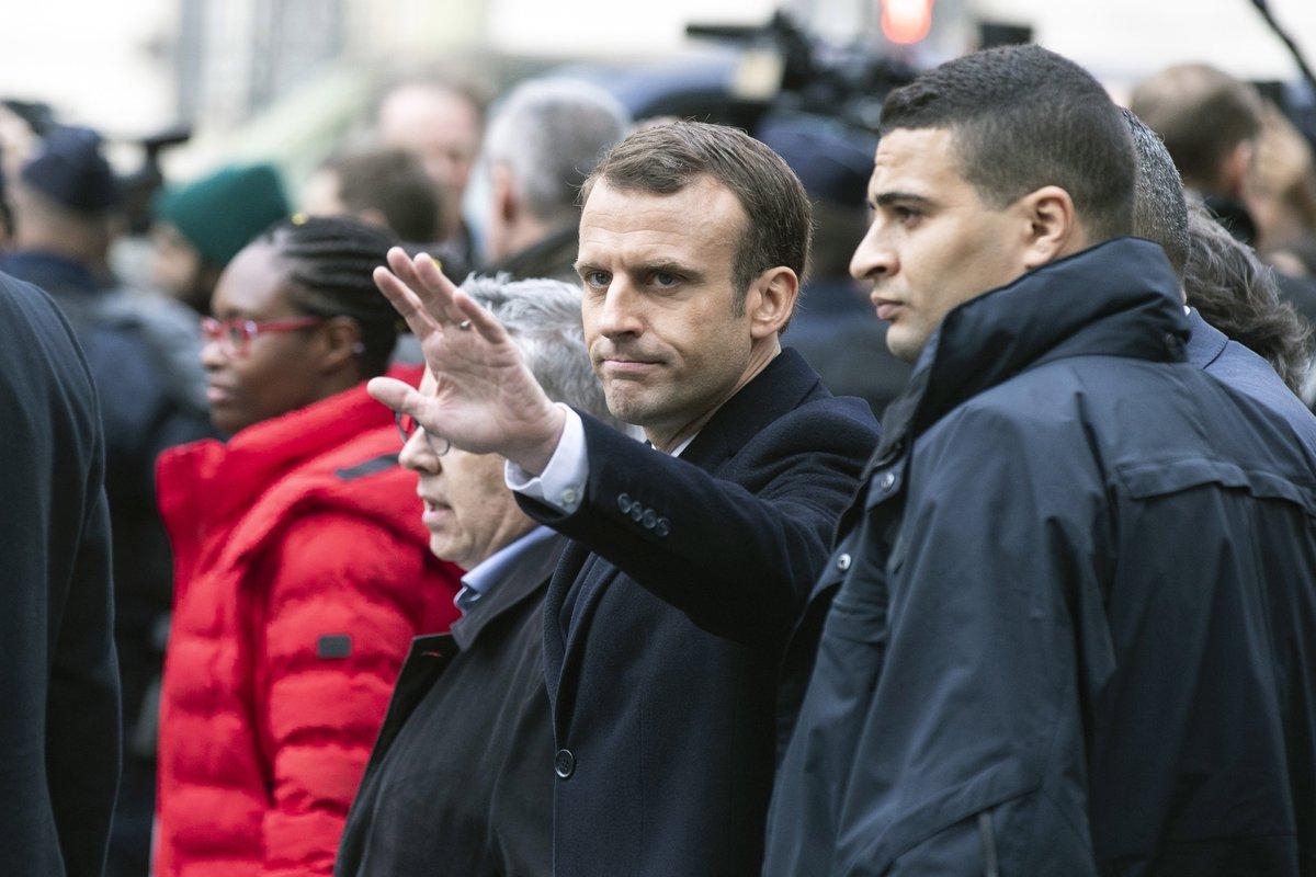 Gilets jaunes : Emmanuel Macron consulte ce lundi avant des annonces à l'Elysée https://t.co/mcGcmiYKQd