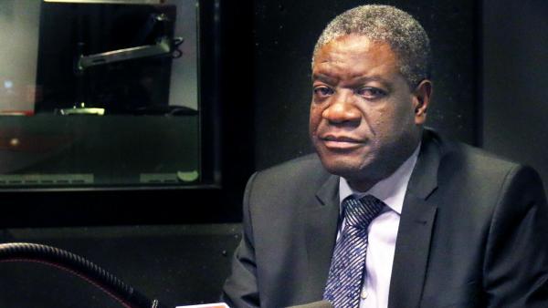 """🇨🇩L'invité Afrique est le docteur Denis Mukwege,""""l'homme qui répare les femmes"""". ►Ce gynécologue congolais soigne les femmes victimes de violences sexuelles. ►Il recevra tout à l'heure le prix Nobel de la Paix à Oslo. 🎧À écouter au micro de @soniarolley https://t.co/PReBfCGuKW"""