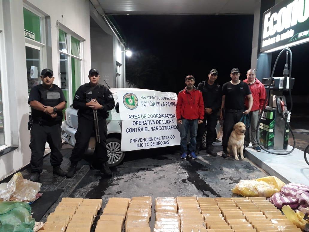 #SantaRosa | Desbaratan organización delictiva y hay 10 detenidos