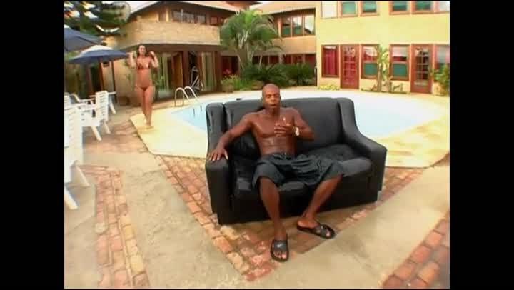 Негр отодрал раком русскую на диване, большие попы африканок эротика