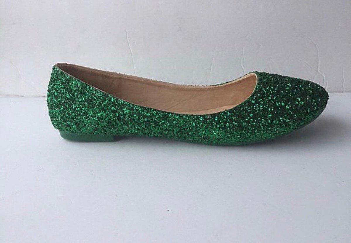 291b957aa74c ... Wedding Shoes Christmas Gift JCoDanseurShoes  shoe  women  green   wedding  christmas  greenwomanshoe https   etsy.me 2Pwozm9 pic.twitter .com 8A5mKOnABc