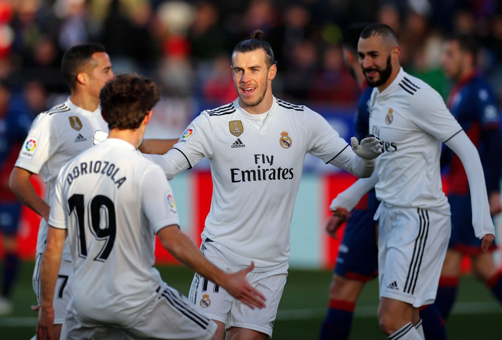 What did you miss in yesterday's #LaLiga 🇪🇸 action?  🏟️ Real Madrid up to 4th after win 🏟️ 4-4 draw between Eibar and Levante 🏟️ Valladolid move up four spots 🏟️ Real Betis move into the top half  Highlights 🔗 https://t.co/MTgdqKeyI7