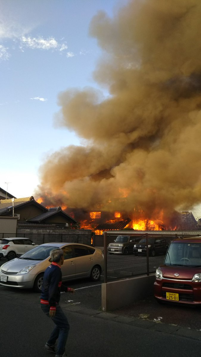 稲沢市祖父江町祖父江の工場で火事の現場画像