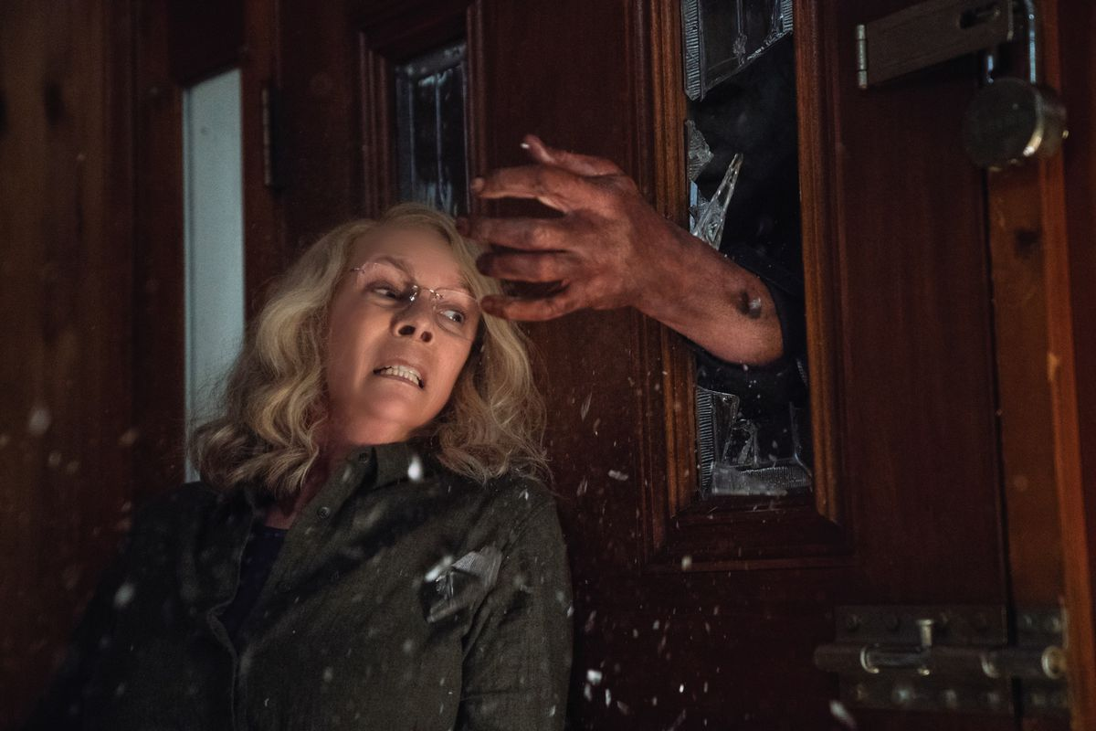 #Halloween2018 3.8/5 After the past couple of remakes, Halloween finally gets the justice it deserves. @jamieleecurtis is a certified badass, the whole movie is just face paced and never really ends the bloodshed. Great surprises are dazzled in, ending in a nice bow. Fantastic. <br>http://pic.twitter.com/PDg8mTFE6r