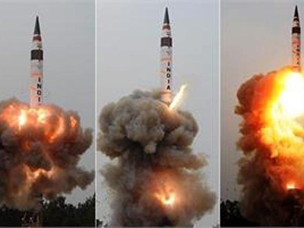 India successfully test fires nuclear-capable Agni-V ballistic missile  READ: https://t.co/X4LWKt3XeY