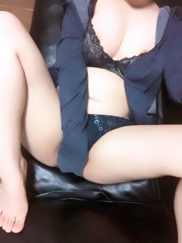 test ツイッターメディア - 裏垢女子はじめまちた♡ LINE追加してみて ♡♡♡ #セックス #カカオ  https://t.co/TE2vFHeihs