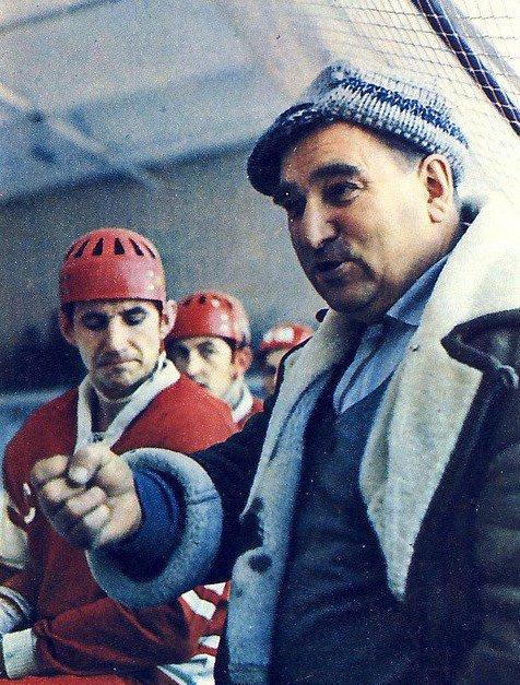 Сегодня исполняется 100 лет со дня рождения великого тренера, отца русского хоккея Анатолия Тарасова💪🏆🏒 https://t.co/UT4Je9909Z