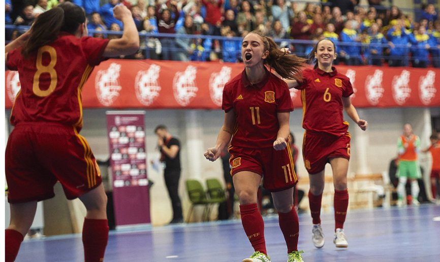 🔴 OFFICIAL | Spain v Women's Futsal League All-Stars, broadcast live on http://SeFutbol.com   📺Follow the match TONIGHT at 7pm (CET)!   🔗http://bit.ly/Fustal_NT-AllStar …