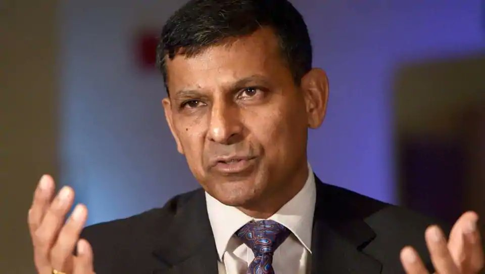 #NewsAlert | Former RBI Governor Raghuram Rajan says 'all Indians should be concerned about Governor Patel's resignation'  (News agency Reuters)