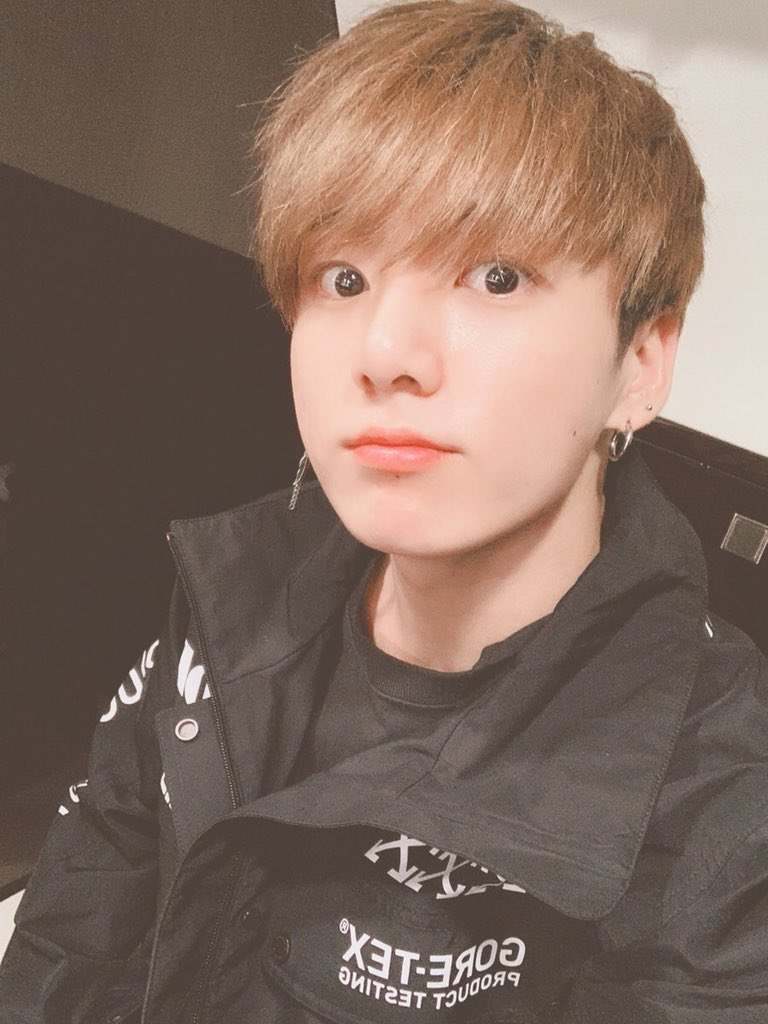 I Vote #JeonJungkook of #BTS     from South Korea for #100MostHandsomeFaces2018 #TCCandler #정국 #방탄소년단정국 #JUNGKOOK<br>http://pic.twitter.com/gl9yYGCUbv