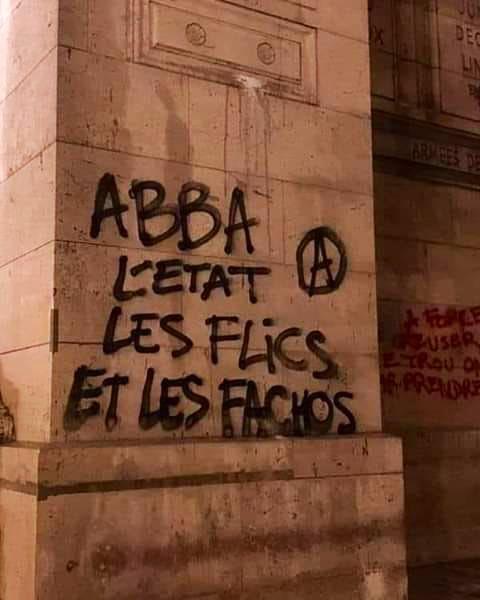 Trouvé sur Facebook (graffiti sur l'Arc-de-Triomphe, effacé ensuite)  Le retour du groupe ABBA serait en effet de nature à assurer le retour de la paix civile.