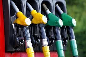 Se retoma la distribución de combustible en la planta de La Tablada, la situación se normalizaría plenamente en estaciones de servicio el miércoles. Foto