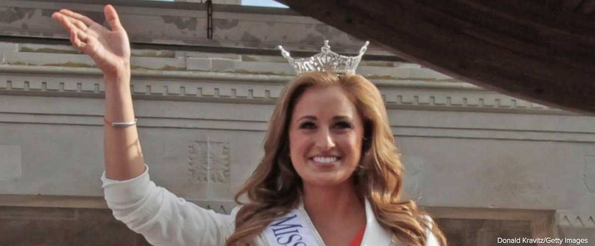 Married ex-Miss Kentucky turned middle school science