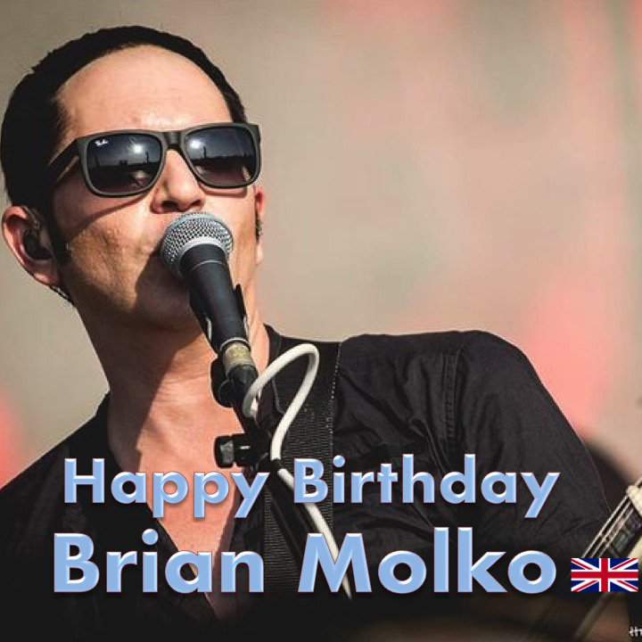 Happy Birthday to #Placebo's very talented #BrianMolko! @PLACEBOWORLD ❤️🇬🇧🎶🎸🎤🎂🎉🎁🎈😍🌟🎇   https://t.co/A23CP7I5uk