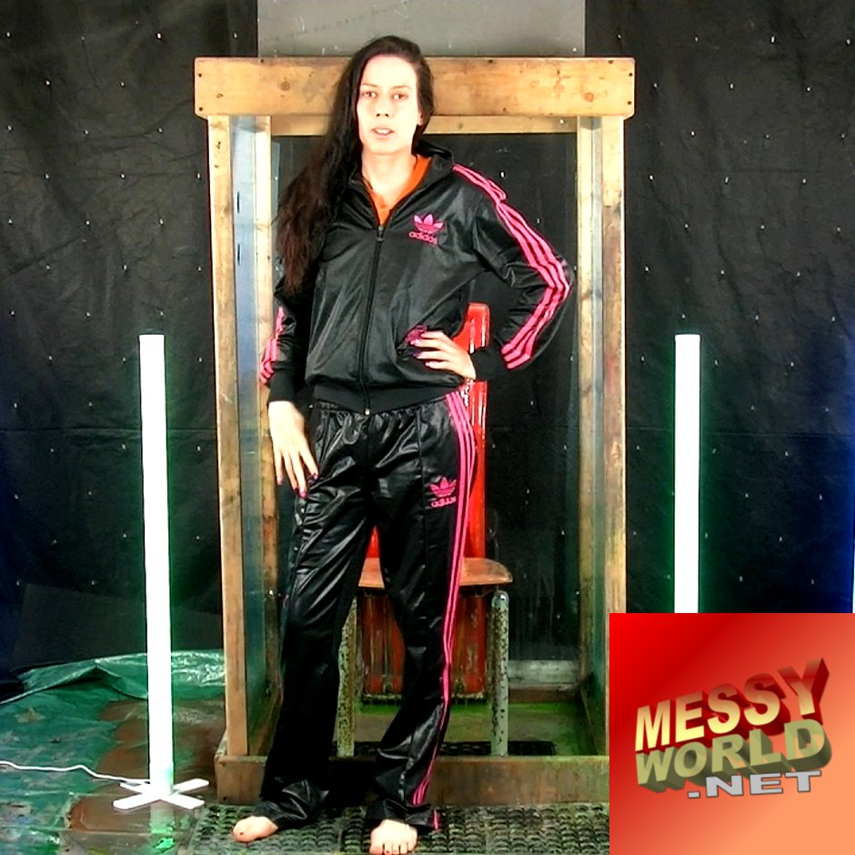 http:// MessyWorld.net     • Deb's gets covered in #slime... twice, wearing a #Chile62 #wetlook-style' #tracksuit...  Watch the lovely #gunge colours transform her into a slimy work of art...  Out Now •  https:// messyworld.net       #messy #gunged #slimed<br>http://pic.twitter.com/ASg7GN4MMT