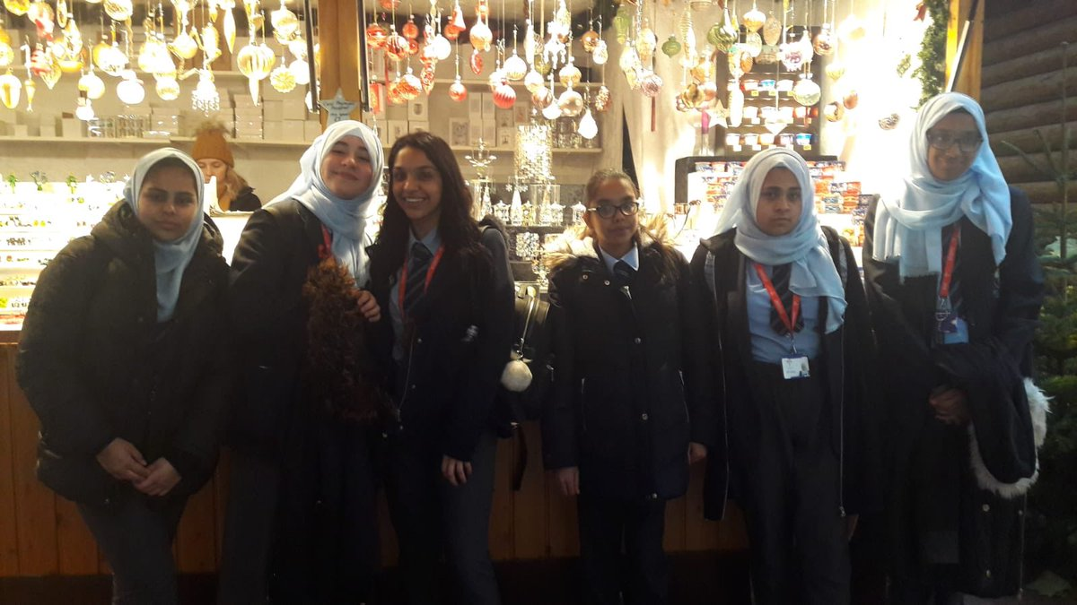 Year 10 students from @CORERockwood visited @BirminghamFCM yesterday. It's our mission to immerse our students within the community around them through a wide range of cultural experiences. #COREopportunity