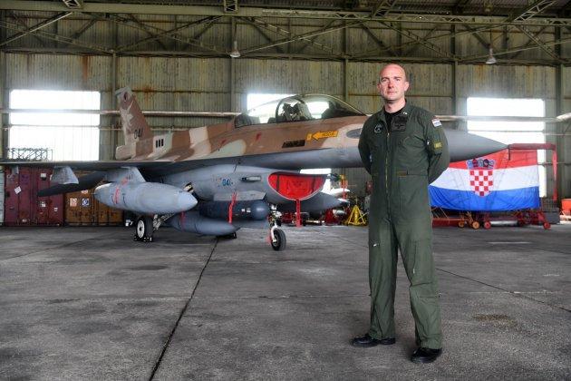 كرواتيا مهتمه بشراء مقاتلات F-16 مستعمله من اسرائيل  DuErix2X4AMfYKB