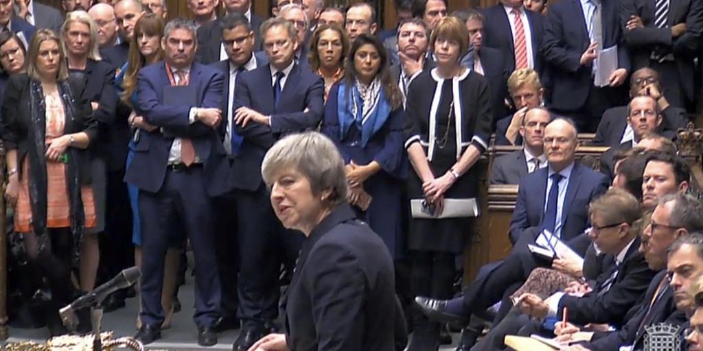 メイ英首相、11日のEU離脱案採決を延期 sankei.com/world/news/181…  →EU欧州委員会の報道官は「われわれは再交渉はしない」と改めて強調。離脱の先行きは一層、不透明に。