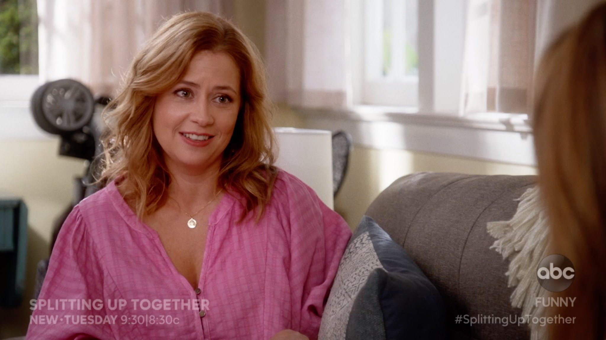 Tomorrow's #SplittingUpTogether is gonna be a real deuceorooney. https://t.co/lVg4YxM9Gl