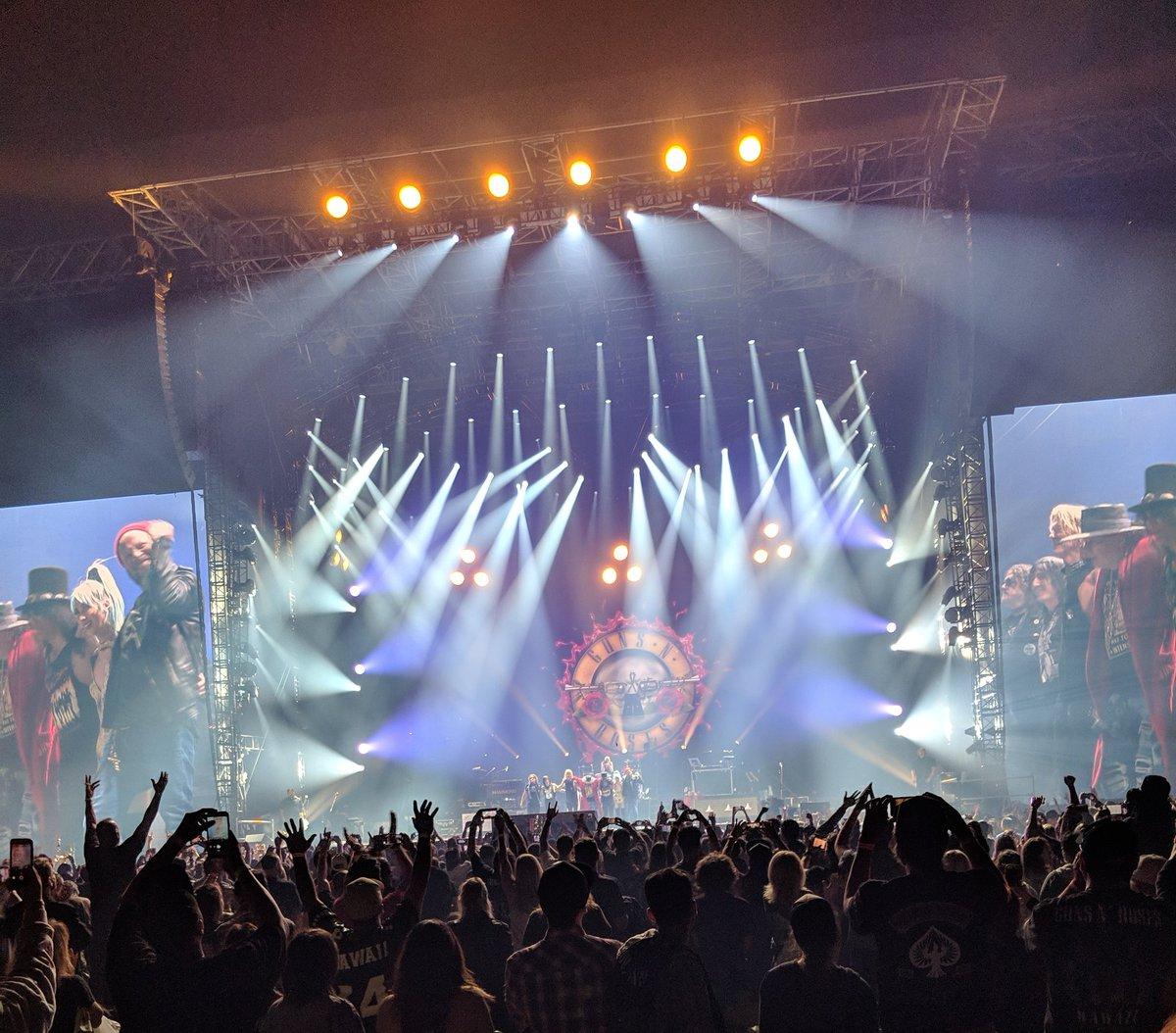Still riding on that Guns N' Roses high #gnrinhawaii
