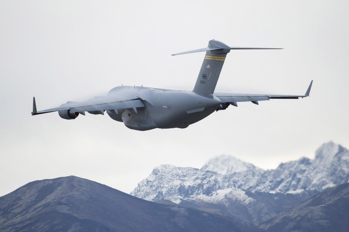Top of the world! #DOD leaders are increasingly moving planes, ships, subs, missiles and radar to the Arctic. Find out why ➡️https://t.co/3iDVJJd2sz