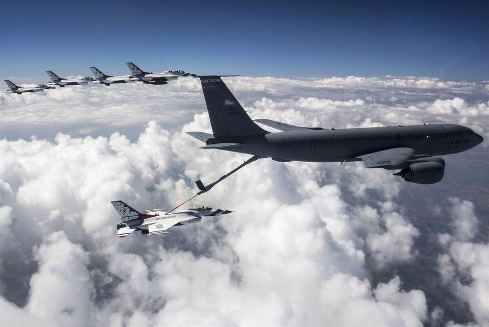 DOD is considering using private companies to provide aerial refueling services for its massive aircraft fleet https://t.co/8K5bGWskbO