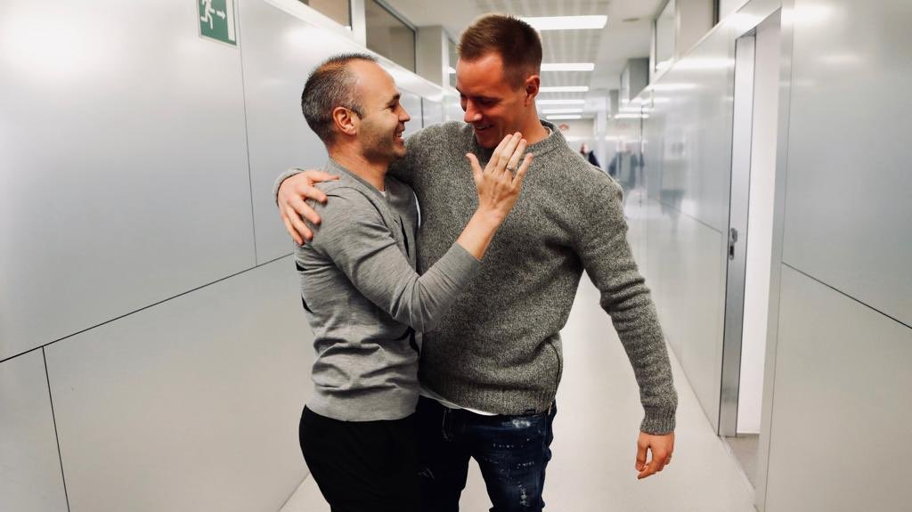 As if no day has past 🤝😃🧙🏻♂ @andresiniesta8