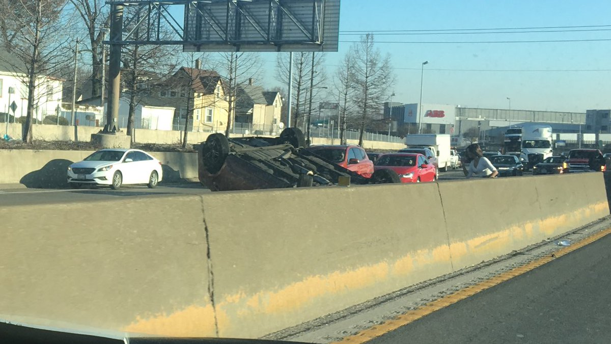 Just passed a car flipped over in 70 West, just passed Kingshighway. It looked like everyone was getting out ok but I'm not sure. <br>http://pic.twitter.com/Bn7jbDLWzk