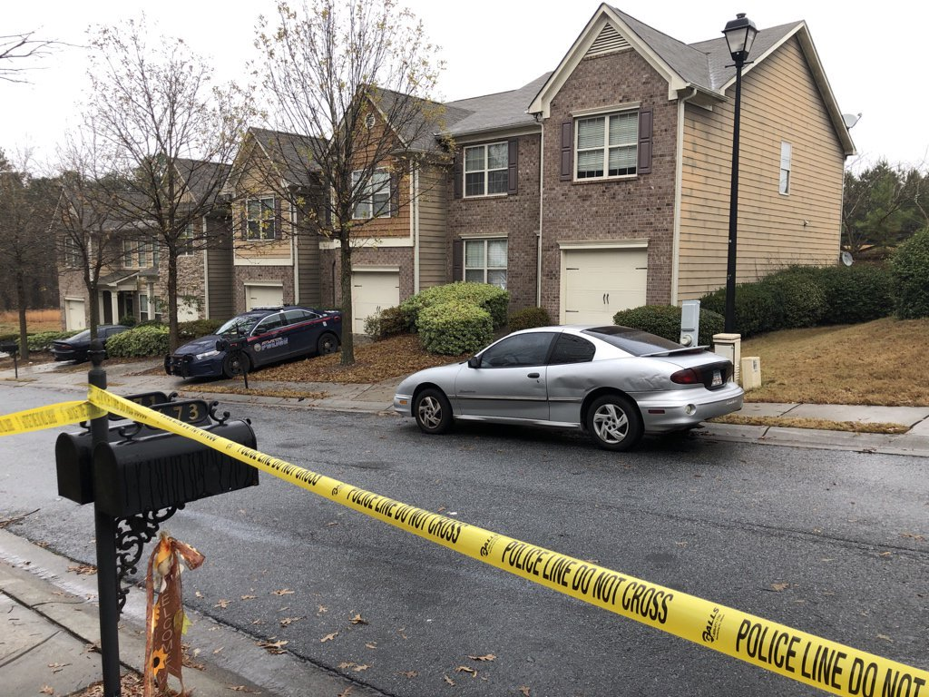 Channel 2's @AaronDiamantWSB is staying in touch with Atlanta police as they search for a gunman who killed a man inside a townhome. LIVE report NEXT on Channel 2.