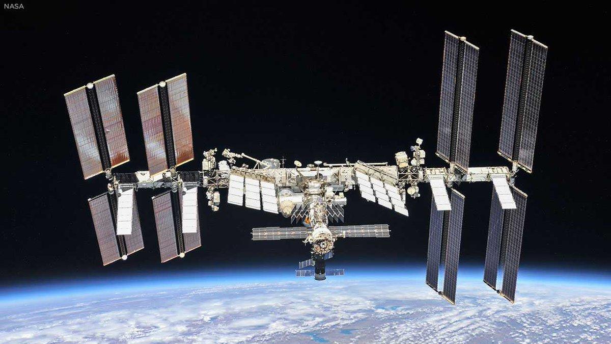 Christmas dinner arrives at the International Space Station abc7.la/2Pvf0Um 🌌
