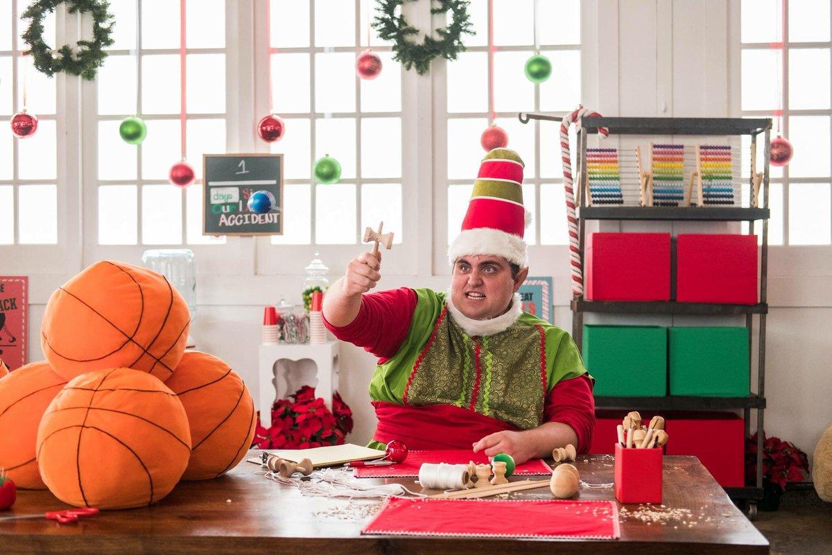 Studio C Christmas.Studio C On Twitter Meet The Worst Elf Ever Tonight On A