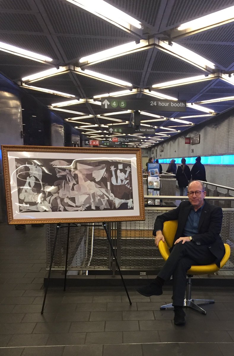 "Me in the NYC Subway talking to people about Picasso's ""Guernica"", 1937. ▫️▫️▫️▫️▫️ People are brilliant about art.  Art is not a club. ▫️▫️▫️▫️▫️▫️▫️▫️▫️ Stay turned to @NYMag @vulture 👇🏻👇🏻👇🏻👇🏻👇🏻👇🏻👇🏻👇🏻👇🏻👇🏻 Criticism Never Sleeps"
