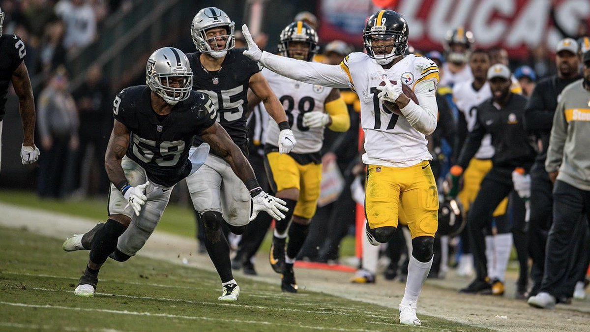 JuJu Smith-Schuster led all players with game highs in receptions (8), receiving yards (130) and touchdown catches (2).