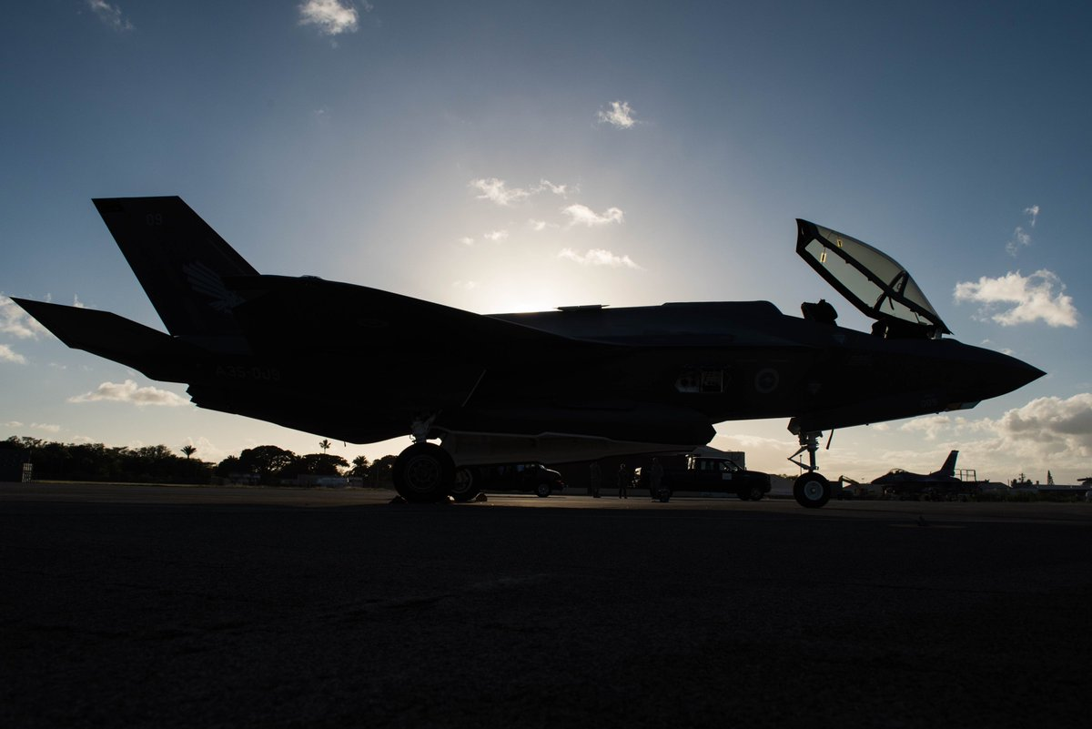 .@AusAirForce first two #F35 #JSF stopped @JointBasePHH on their way to RAAF Williamtown. #fifthgen #USwithAUS #AllianceinAction @USAirForce @USConGenSydney  https:// go.usa.gov/xPhxy  &nbsp;  <br>http://pic.twitter.com/1nYkAIgipo