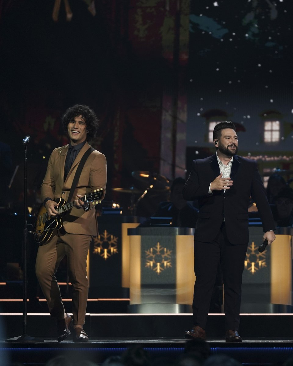 Cma Christmas Special 2019.Cmachristmas Hashtag On Twitter