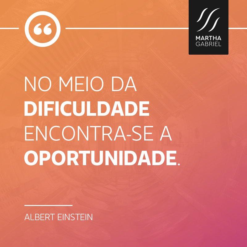 'No meio da dificuldade encontra-se a oportunidade.' -- Albert Einstein #frase #boanoite