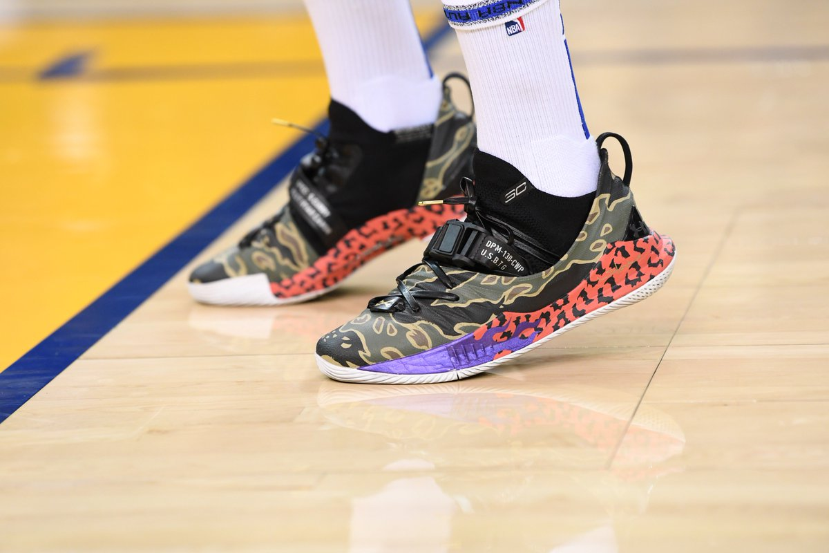 48355c12df1 StephenCurry30 breaks out the custom Under Armour Curry 5