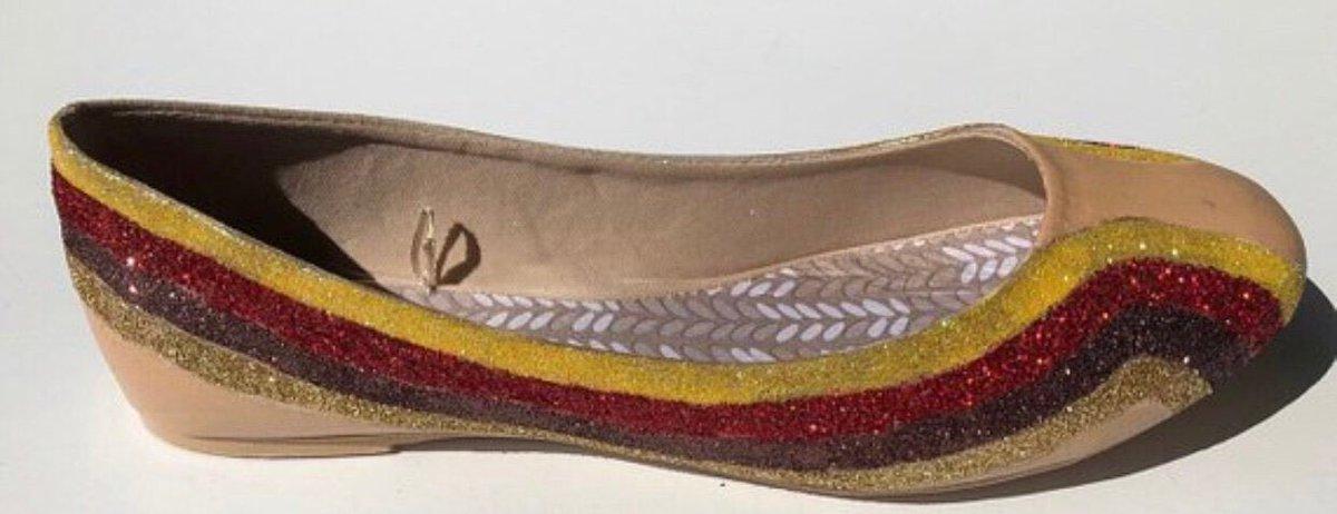 3e53d975bc16 ... Shoes Wedding Shoes JCoDanseurShoes  shoes  women  christmas  red   glittershoes  customglittershoe https   etsy.me 2C2MqpY pic.twitter .com TIahDyB7ri