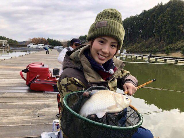 釣ーれーたーよー\(^o^)/ 初ヘラブナっ🎣 楽しすぎましたっっ!!!! #おとな釣り倶楽部