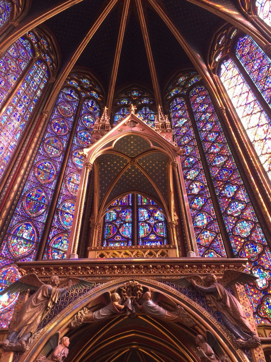 RT @travel100world: パリの「ノートルダム寺院」フランス ステンドグラスがステキ過ぎていつまでも見ていられます。 広場の中にあるポワンゼロ。誰も見ている人がいなくて、見つけるのが大変でした。 https://t.co/JzmcOGgo1G