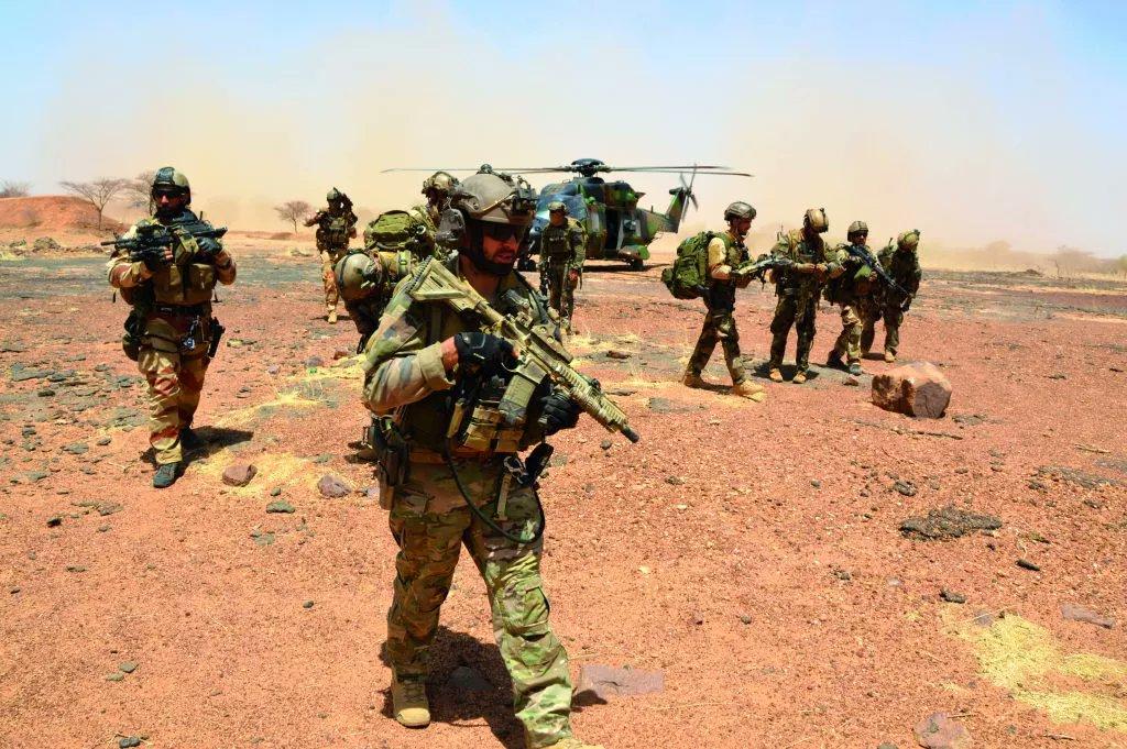 armée de terre DuH7CNRWkAAPdoW