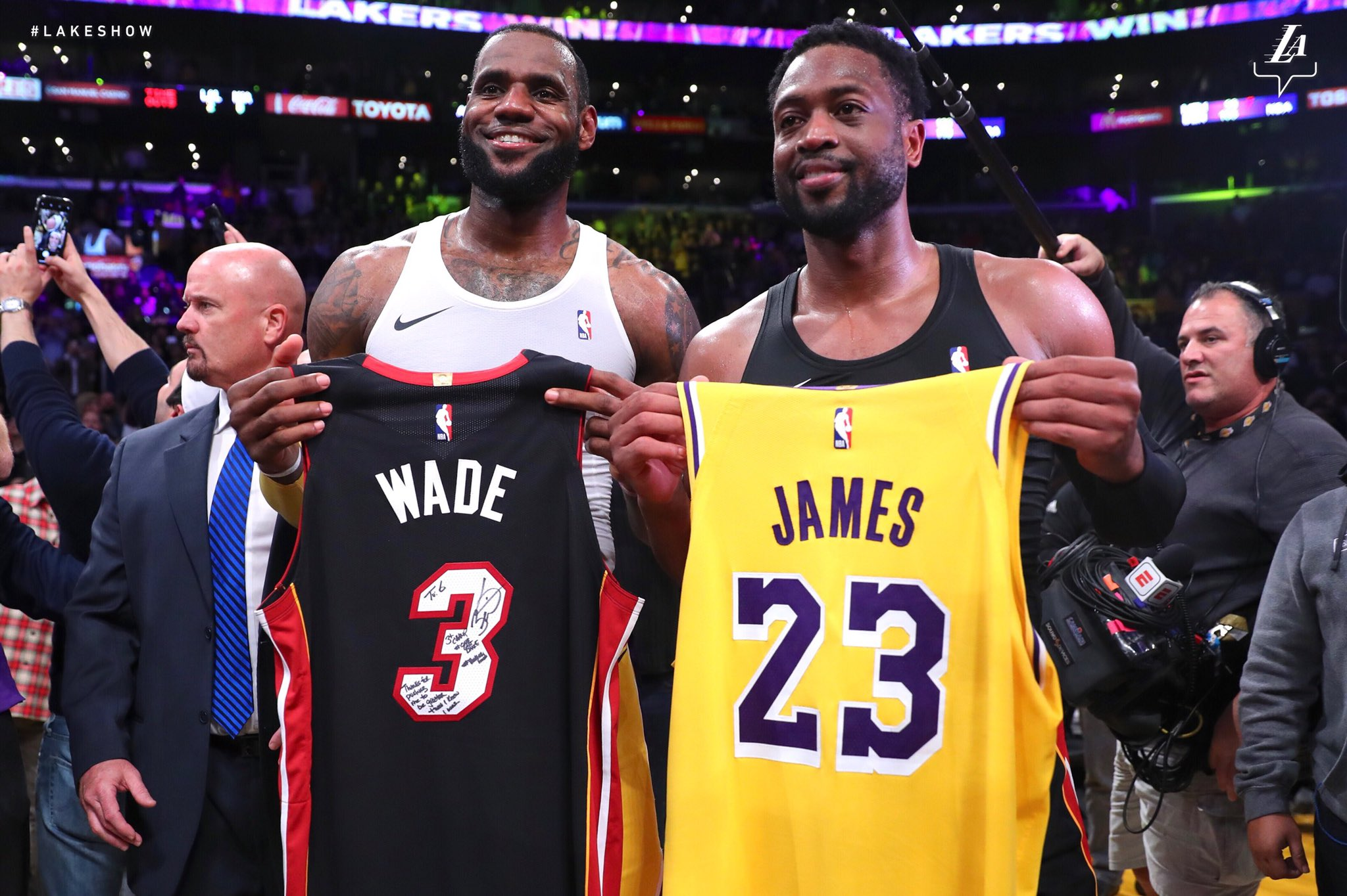 Nothing but love and respect #OneLastDance https://t.co/v4CQqOcMIG