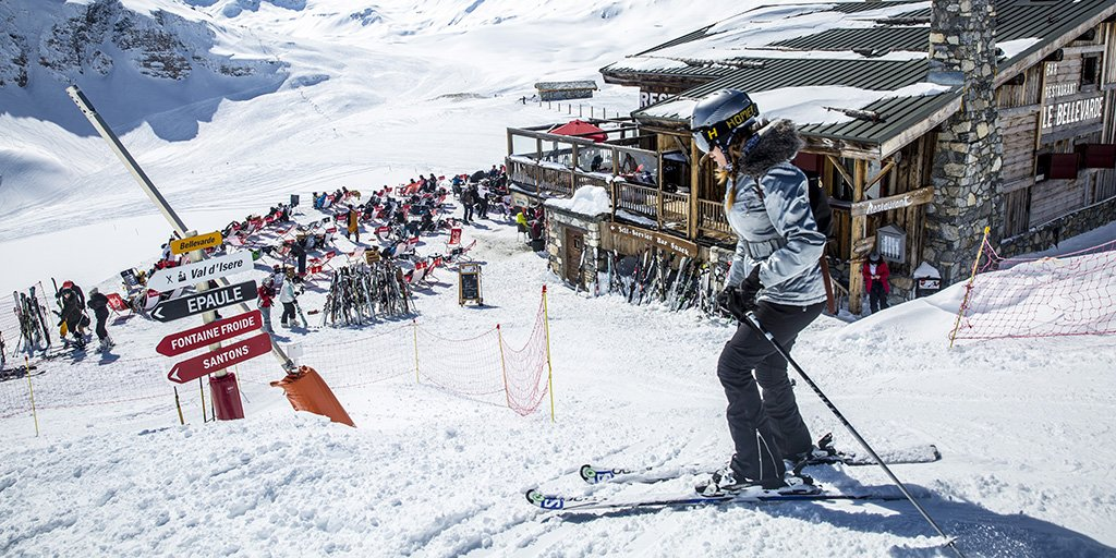 We start flights to Lyon today! Heres your ultimate guide to après-ski @courchevel_officiel @valdisere #FrenchAlps. Read #BlueWings to see where to go and what to do ow.ly/773E30mQ2uS We fly to @lyonaeroports twice a week during winter #travelinspiration