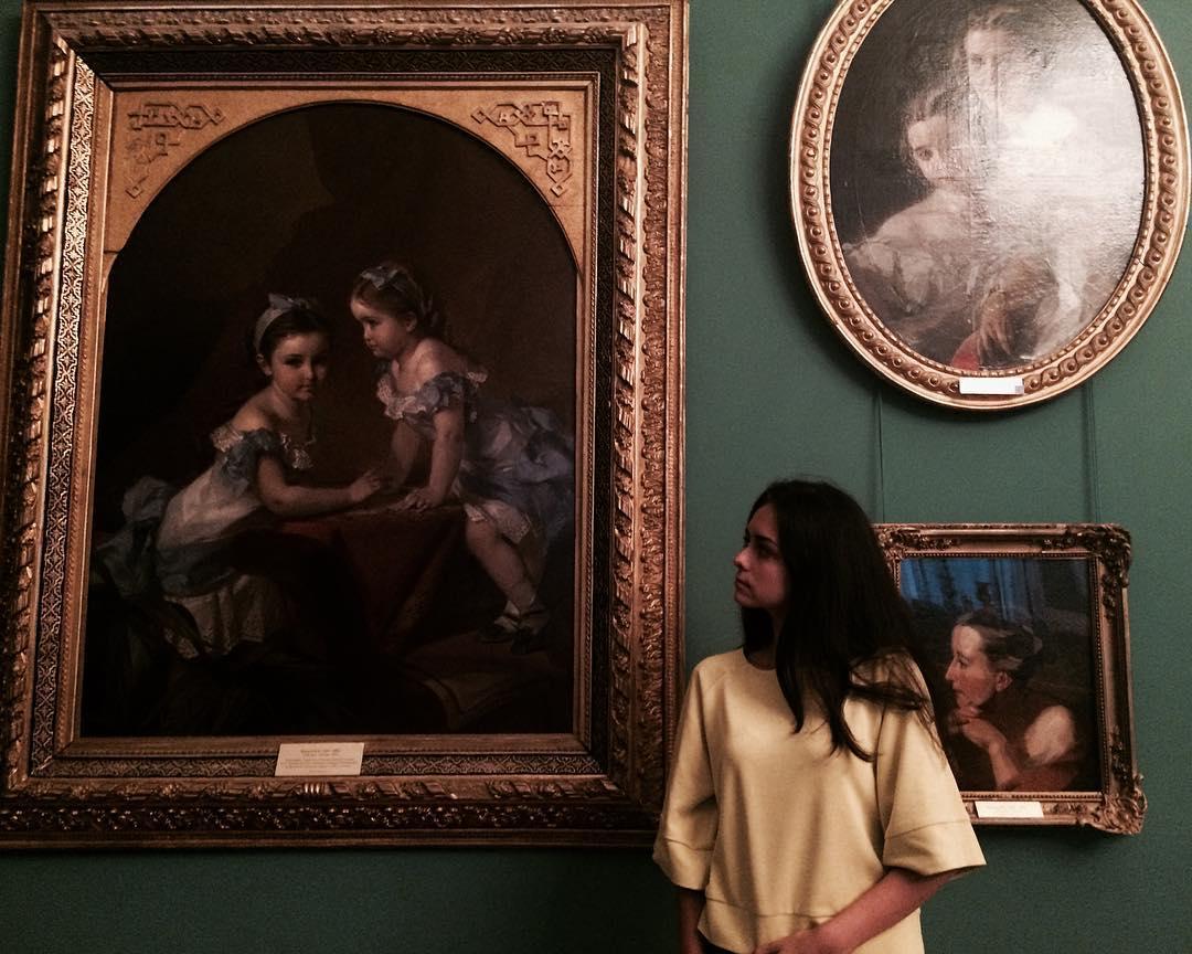 можете почему в галерее фотографии стали черными удалось создать трогательный