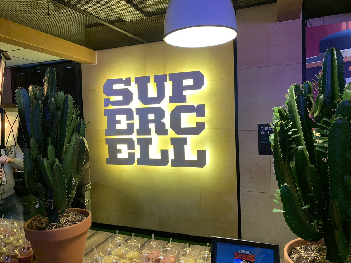 なんと!私ドズル!いまヘルシンキのスーパーセルオフィスにきております!!!