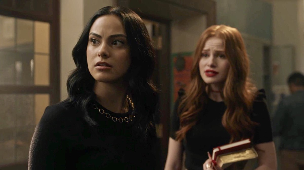 With Betty and Jughead MIA, it's up to Veronica and Cheryl to play detective on #Riverdale's midseason finale this week! 🐍🎢🍸🍿⌛️🎁☠️
