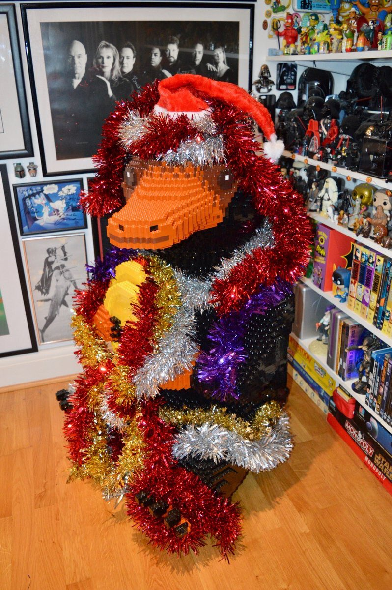 Look at him, all innocent, like he didnt dive straight into the tinsel the moment I got it out of the loft.🎄#LEGONiffler #LEGOWizardingWorlds @LEGO_Group @FantasticBeasts